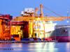exporturi, nava comerciala care incarca containere in port