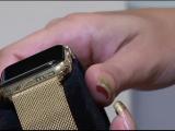 O firma din Rusia vinde produse de lux pentru oligarhi. Cat costa un ceas Apple din aur, cu semnatura lui Vladi