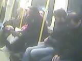 Experimentul unei femei insarcinate in metrou. Ce soc are atunci cand doreste sa se aseze pe scaun