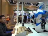 Robotul care iti pregateste cafeaua, dar se pricepe si la sah. Ultimele noutati in domeniu, la CES 2017