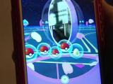 Un neozeelandez si-a dat demisia pentru a se juca full-time Pokemon GO. Isteria creata de joc in Central Park, din New York