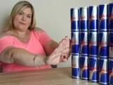 Femeia care a baut 20.000 de doze de energizant in 11 ani. Cati bani a cheltuit pentru viciul sau: