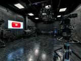 iLikeIT. Cum arata studiourile YouTube, unde creatorii de virale pot filma gratuit. Un roman isi face aici emisiunile online
