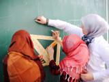 Elevele musulmane vor fi întrebate dacă poartă jihab. Motivul autorităților britanice