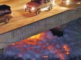 Lacul din India care ia foc din senin. Oamenii de stiinta spun ca si vaporii de apa ce se ridica din el sunt periculosi