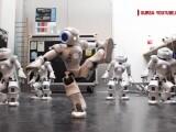 Robotul NAO, unul dintre cei mai cunoscuti din lume, a ajuns la Cluj. Programat cum trebuie, NAO poate sa faca aproape orice