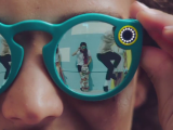 """Snapchat lanseaza primul sau gadget. Ce pot face ochelarii de soare """"Spectacles"""" si cat vor costa"""