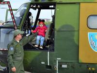 militari americani la Iasi, copil in elicopter