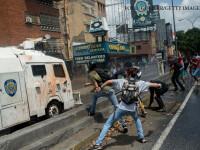 ciocnire intre protestatari si politie in Venezuela