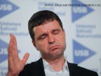 Nicusor Dan, liderul USR, face declaratii de presa dupa publicarea exit-pollului