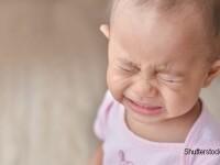 bebelus trist