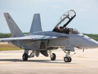 avion F-18 - Shutterstock