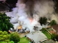 Avion prabusite peste case