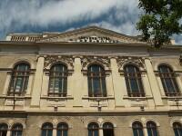 Cei mai buni profesori de economie romani care predau la universitati de prestigiu din lume se reunesc la Cluj