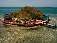 Insula de inchiriat la pretul unei camere de hotel din Mamaia. Cat costa viata in paradis