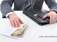 om de afaceri mita in plic euro