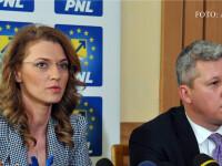 Alina Gorghiu, copresedinte PNL, si prim-vicepresedintele PNL Catalin Predoiu, participa la conferinta de presa organizata la finalul lucrarilor Consiliului National al PNL.