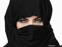 Femeie cu burka, islamism