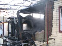 Incendiul a distrus imobilul
