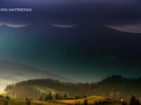 peisaj de toamna din Romania, munti si ceata