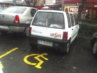 Soferii parcheaza de cele mai multe ori pe locurile destinate celor cu handicap