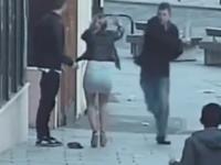 atacat pe strada