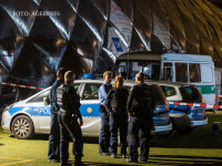 politisti germani in fata unui centru pentru refugiati