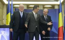 Frans Timmermans, Sorin Grindeanu si Tudorel Toader fac declaratii de presa la Guvernul Romaniei, joi, 20 aprilie 2017