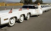Povestea celei mai lungi masini din istorie: avea jacuzzi si...HELIPORT