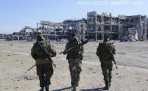 separatisti pro-rusi ia aeroportul din Donetk