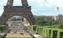 Tiroliana din Turnul Eiffel