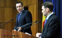 Premierul Victor Ponta (stg.) si Dan Sova (dr.), ministrul delegat pentru Proiecte de Infrastructura si Investitii Straine, sustin o declaratie de presa