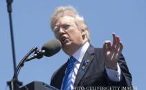 Donald Trump, discurs cu parul in vant