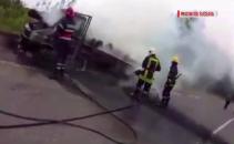 Incendiu camioneta cu lemne