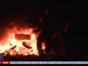 Au stat in jurul focului pe dealuri, la povesti. Traditia de sute de ani din Bistrita in ajunul de Sfantul Gheorghe