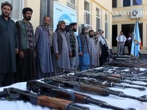 talibani care predau armele