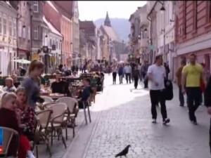 Brasovul sarbatoreste nu numai 1 Mai, ci si zilele orasului: petreceri culinare, degustari de vinuri si hore in aer liber