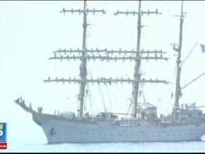 Spectacole impresionante de Ziua Marinei. Parade ale marinarilor militari si ale navelor, jocuri marinaresti si elicoptere