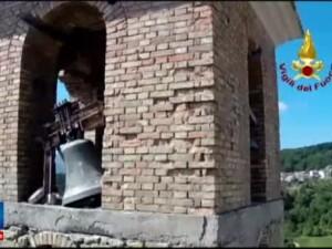 Reactia unui supravietuitor al cutremurului din Italia cand vede ce a mai ramas din strada lui: E satul fantoma