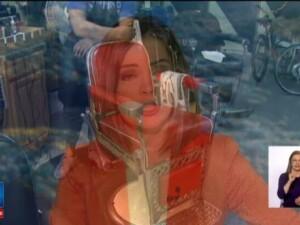 Nemultumita de cum fusese tunsa, o femeie a tras trei gloante in hairstylist. Deznodamantul incidentului socant