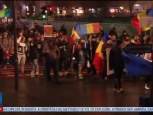 Mii de oameni au protestat in tara in a 20-a zi de manifestatii