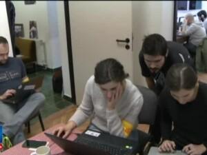 Specialistii IT care lucreaza voluntar pentru a stopa raspandirea stirilor false pe internet. Cum va functiona aplicatia