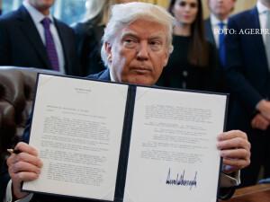 Donald Trump cu o lege semnata