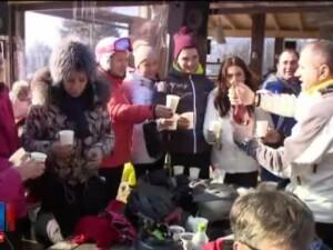 Odata cu Mica Unire, turistii au profitat de zilele libere si au plecat la munte. Am schiat si pe nocturna, e foarte bine