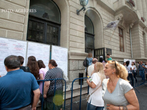 Aglomeratie la inscrierea pentru admiterea la facultatile din cadrul Academiei de Studii Economice (ASE) Bucuresti
