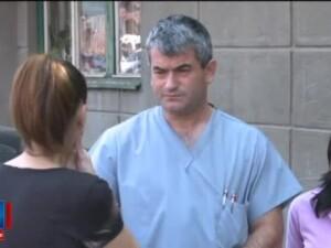 Medicul care s-a electrocutat in timpul operatiei vrea sa dea spitalul in judecata. E clar ca vor sa musamalizeze