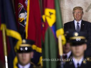 Donald Trump si militari