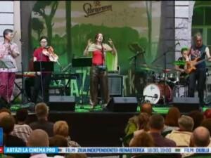 Jazz in The Park a inceput la Cluj. Benny Rietveld, basistul lui Carlos Santana, a cantat in debutul festivalului