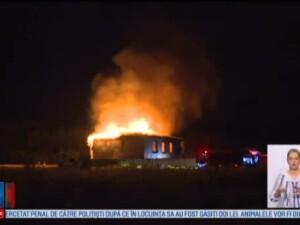 O vila din Snagov a ars ca o torta. Un barbat a murit, iar altul a fost ranit la picioare