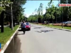 Imagini uluitoare filmate in timpul examenului auto. Politistul ii pune sa opreasca pe interzis, iar un elev sare la bataie
